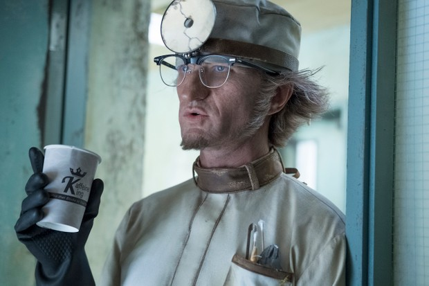 Neil Patrick Harris as Count Olaf in A Series of Unfortunate Events season 2 (Netflix, JG)
