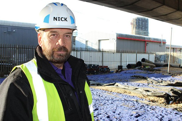 Nick Knowles starting work on the DIY SOS special (BBC, HF)