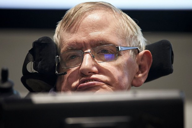 Time To Listen To Stephen Hawking >> Stephen Hawking Cameos In Hitchhiker S Guide To The Galaxy In One Of