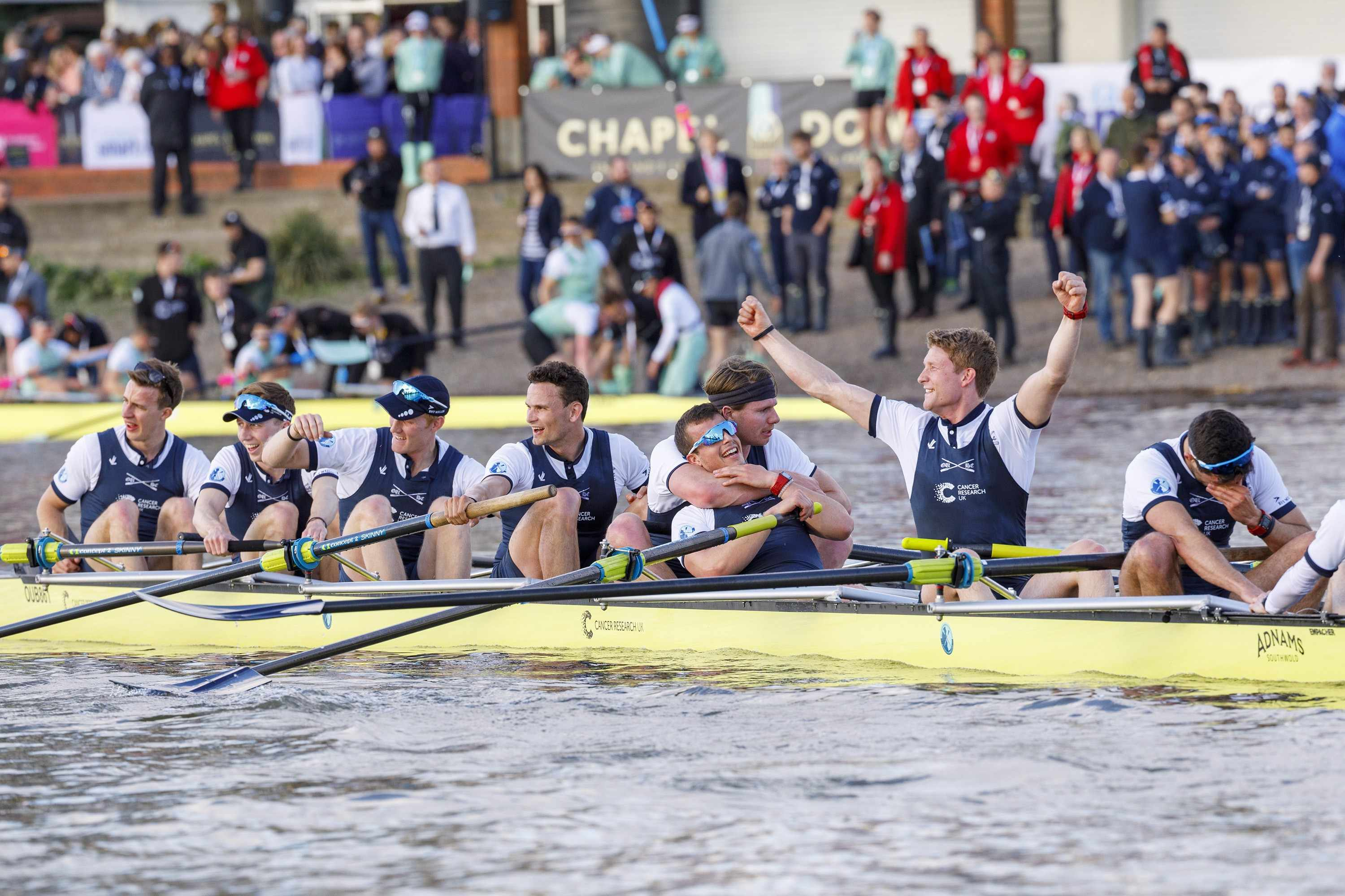 LONDON, UNITED KINGDOM - APRIL 02: The Oxford crew reacts as they win the Cancer Research 163rd Oxford versus Cambridge University Boat Race on the River Thames on April 2, 2017 in London, England. (Photo by Tolga Akmen/Anadolu Agency/Getty Images)  Getty, TL