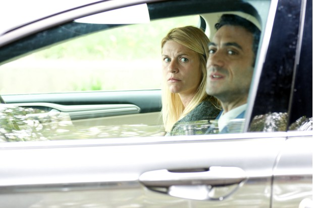 Claire Danes as Carrie Mathison and Morgan Spector as Dante Allen in Homeland (Channel 4, EH)