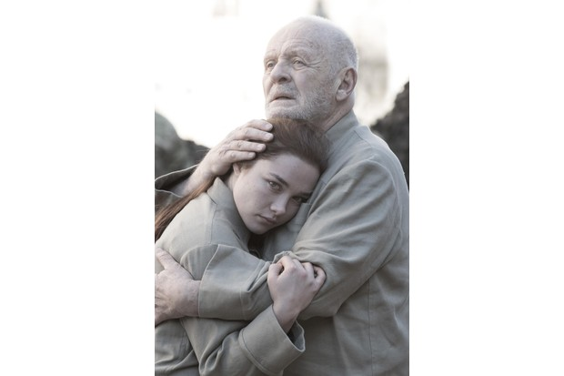 Anthony Hopkins and Florence Pugh in King Lear (BBC/Amazon, JG)