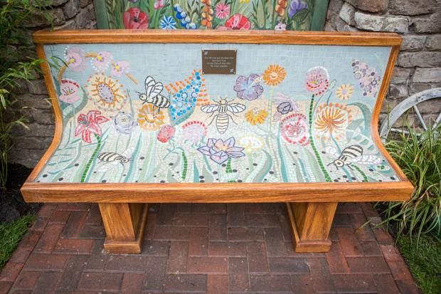 Victoria_Street_Urban_Garden_Bench