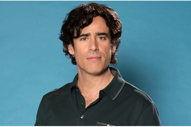 Stephen Mangan is Sean Lincoln