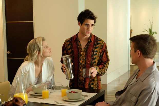 Programme Name: The Assassination of Gianni Versace: American Crime Story - TX: n/a - Episode: The Assassination of Gianni Versace: American Crime Story (No. n/a) - Picture Shows: Episode one Elizabeth (ANNALEIGH ASHFORD), Andrew Cunanan (DARREN CRISS), Phil (NICO EVERS-SWINDELL) - (C) © 2018 Fox and its related entities. All rights reserved. - Photographer: Ray Mickshaw