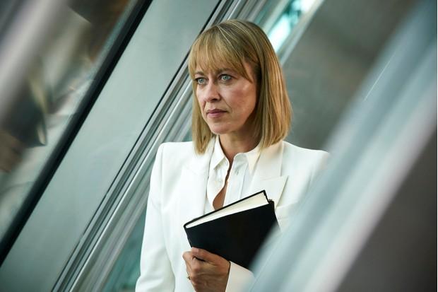 Nicola Walker as Hannah in The Split