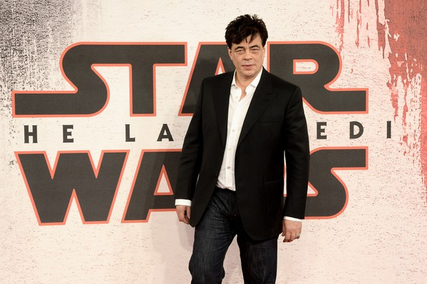 LONDON, ENGLAND - DECEMBER 13: Benicio Del Toro attends the 'Star Wars: The Last Jedi' photocall at Corinthia Hotel London on December 13, 2017 in London, England. (Photo by Dave J Hogan/Dave J Hogan/Getty Images)