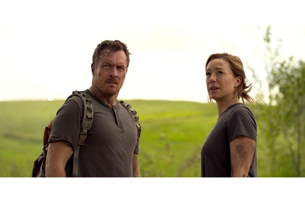 Toby Stephens & Molly Parker