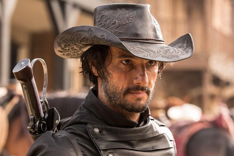Rodrigo Santoro as Hector Escaton in Westworld (HBO, Sky, HF)