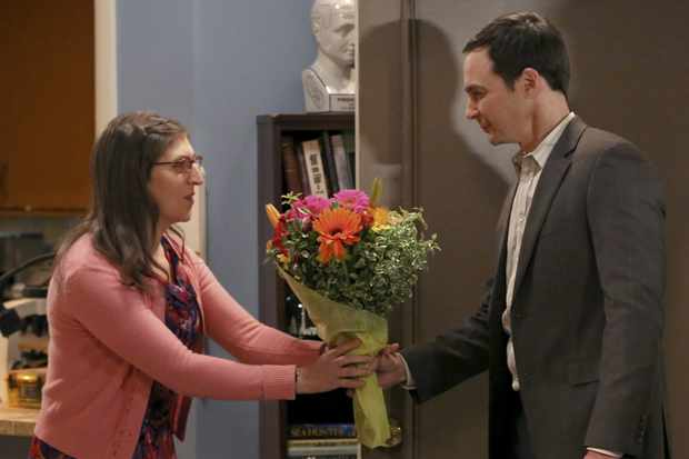 The Big Bang Theory - Series 09 Episode 11 The Opening Night Excitation Characters names Sheldon, Penny, Leonard, Howard, Raj © Warner Bros. Entertainment, Inc.  Sky pics, TL