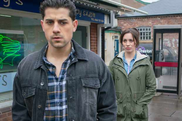FROM ITV   STRICT EMBARGO - No Use Before Tuesday 1st May 2018  Coronation Street - Ep 9453  Friday 11th May 2018 - 1st Ep  Shona Ramsey [JULIA GOULDING] confronts Josh Tucker [RYAN CLAYTON], telling him she knows he's a rapist.   Picture contact - david.crook@itv.com  Photographer - Andrew Boyce  This photograph is (C) ITV Plc and can only be reproduced for editorial purposes directly in connection with the programme or event mentioned above, or ITV plc. Once made available by ITV plc Picture Desk, this photograph can be reproduced once only up until the transmission [TX] date and no reproduction fee will be charged. Any subsequent usage may incur a fee. This photograph must not be manipulated [excluding basic cropping] in a manner which alters the visual appearance of the person photographed deemed detrimental or inappropriate by ITV plc Picture Desk. This photograph must not be syndicated to any other company, publication or website, or permanently archived, without the express written permission of ITV Plc Picture Desk. Full Terms and conditions are available on the website www.itvpictures.com