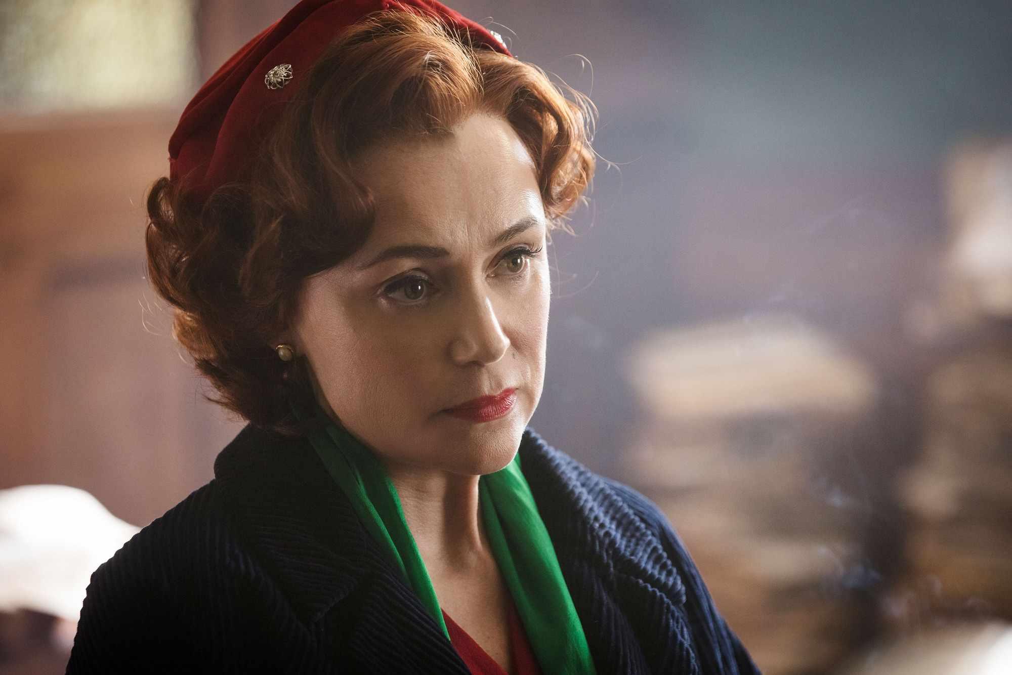 Keeley Hawes plays Kathleen Shaw