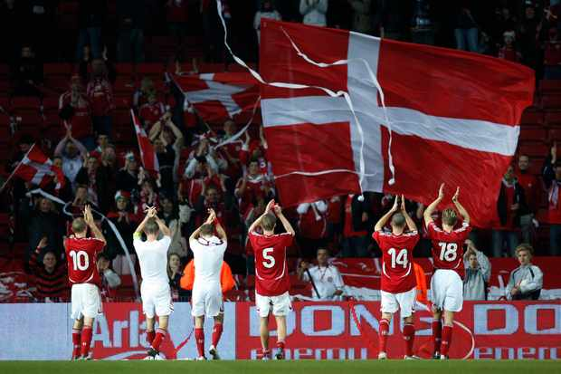 17-10-2007: Euro Qual. - Danish players and the fans. © Lars Rønbøg / Frontzonesport.dk. (Photo by Lars Ronbog/FrontzoneSport via Getty Images)