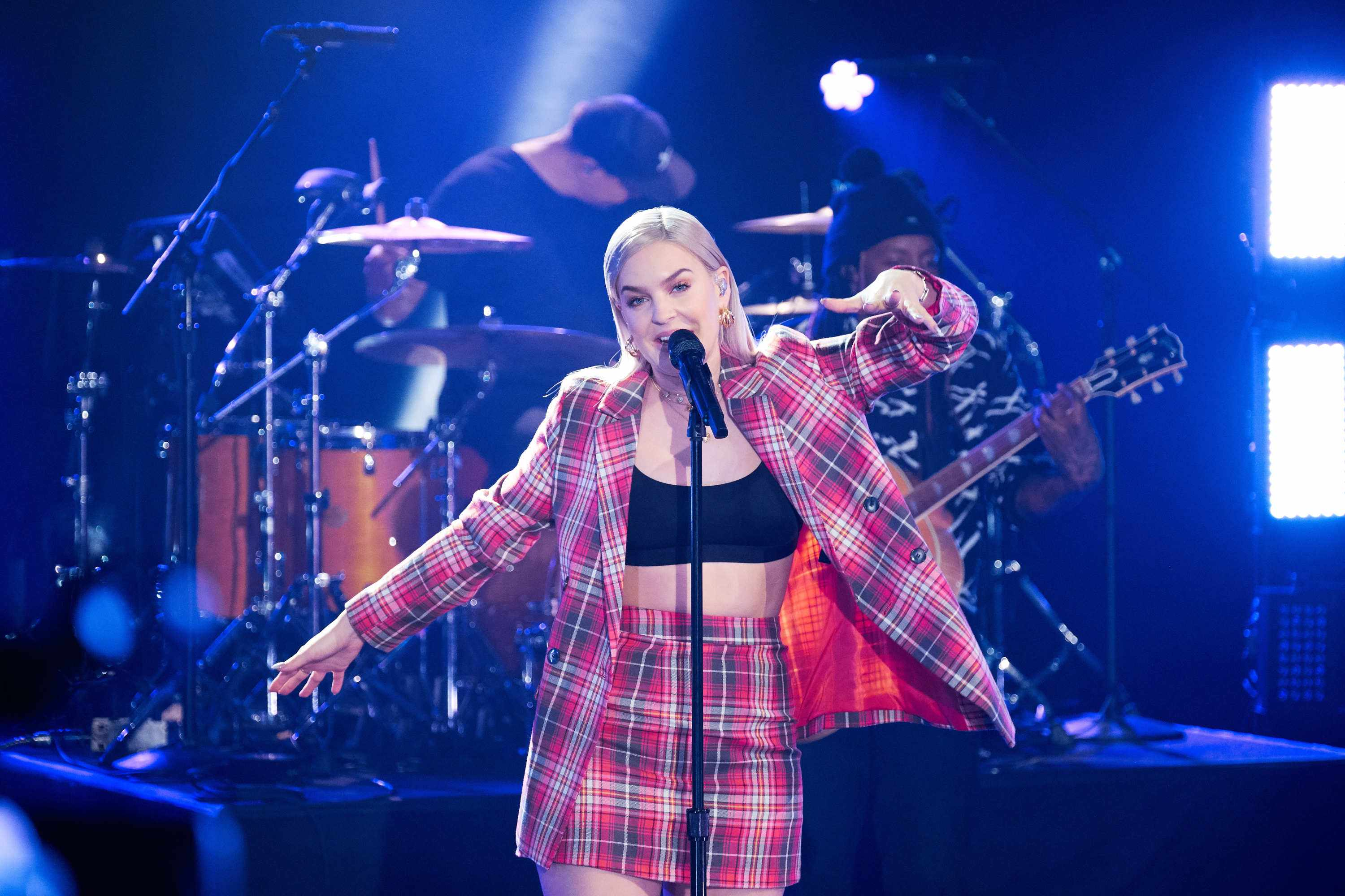 "LOS ANGELES - MAY 1: Anne-Marie performs during ""The Late Late Show with James Corden,"" Tuesday, May 1, 2018 (12:35 PM-1:37 AM ET/PT) On The CBS Television Network.  (Photo by Terence Patrick/CBS via Getty Images)"