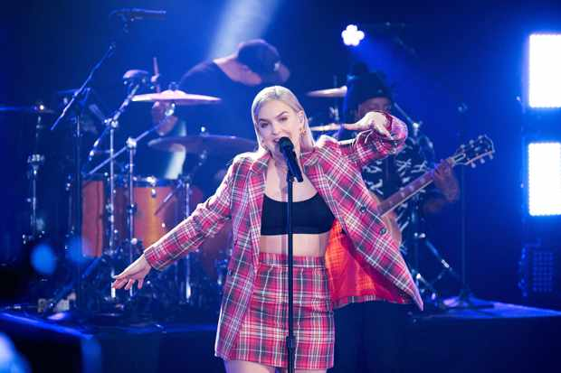 """LOS ANGELES - MAY 1: Anne-Marie performs during """"The Late Late Show with James Corden,"""" Tuesday, May 1, 2018 (12:35 PM-1:37 AM ET/PT) On The CBS Television Network.  (Photo by Terence Patrick/CBS via Getty Images)"""