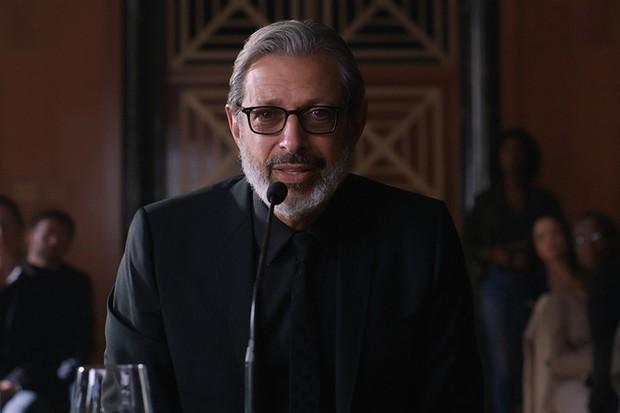 Jeff Goldblum as Ian Malcolm in Jurassic World: Fallen Kingdom (Universal, HF)