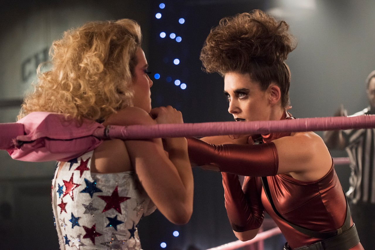 Betty Gilpin and Alison Brie in GLOW season two on Netflix (Netflix)