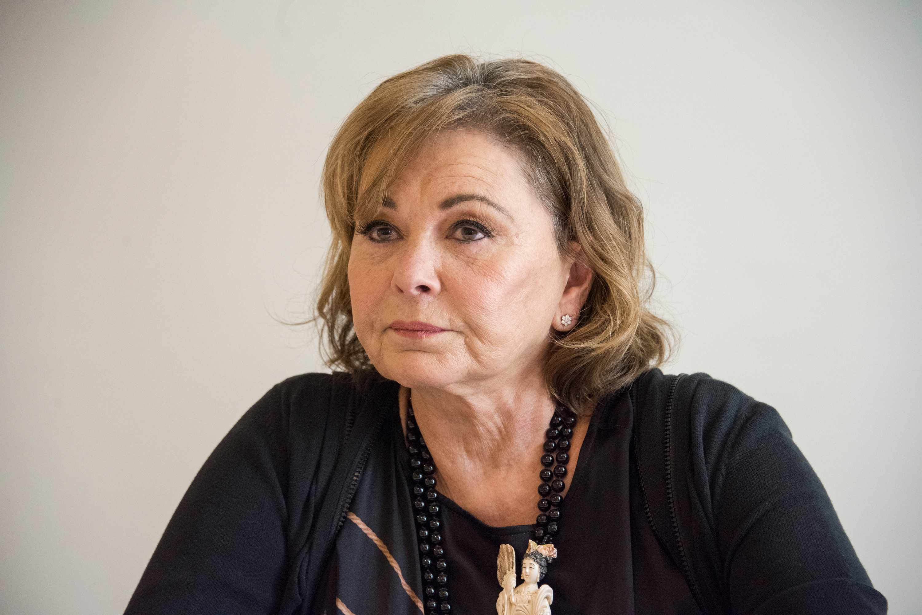 """BEVERLY HILLS, CA - MARCH 23:  Roseanne Barr at the """"Roseanne"""" Press Conference at the Four Seasons Hotel on March 23, 2018 in Beverly Hills, California.  (Photo by Vera Anderson/WireImage)  TL"""
