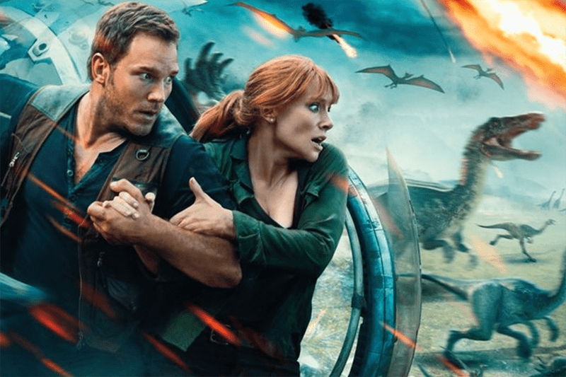 Chris Pratt and Bryce Dallas Howard in Jurassic World: Fallen Kingdom (Universal, HF)