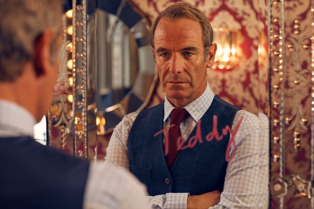 Teddy (ROBSON GREEN) (BBC)