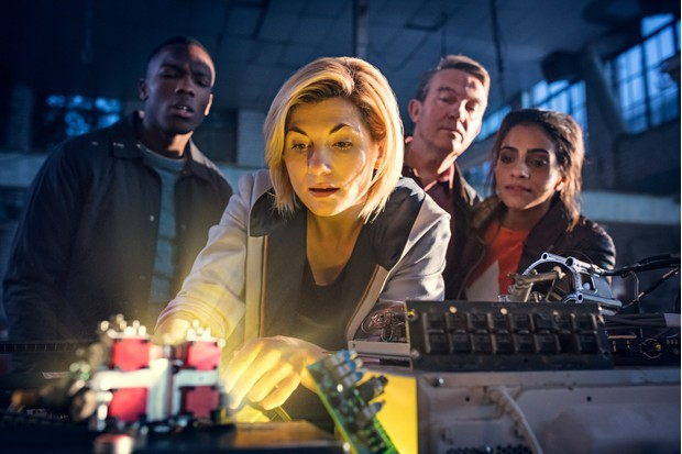 Jodie Whittaker, Tosin Cole, Bradley Walsh and Mandip Gill in Doctor Who series 11 (BBC, HF)
