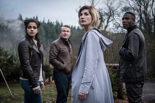 Mandip Gill, Bradley Walsh, Jodie Whittaker and Tosin Cole in Doctor Who series 11 (BBC, HF)