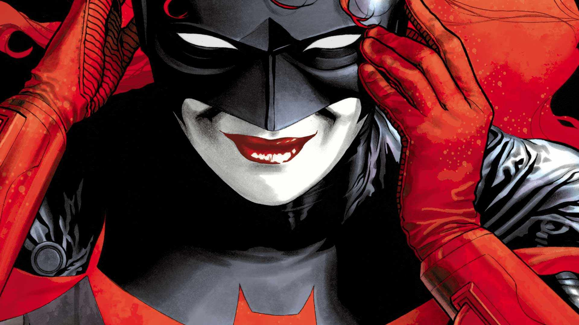Batwoman as she appears in DC comics (DC, HF)