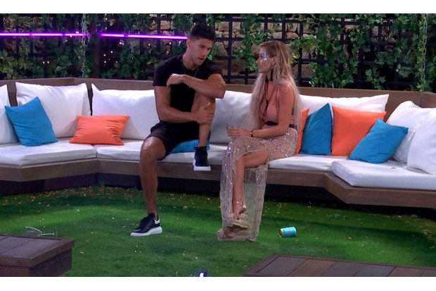 Love Island Friday 6 July - Laura and Jack