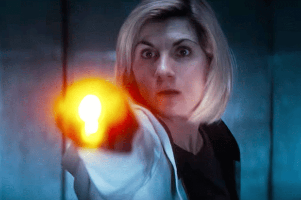 Jodie Whittaker with the new Doctor's sonic screwdriver (BBC, HF)