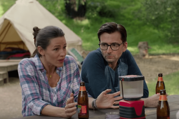 Jennifer Garner and David Tennant in Camping