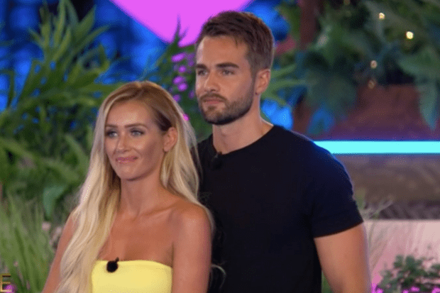Laura and Paul on Love Island