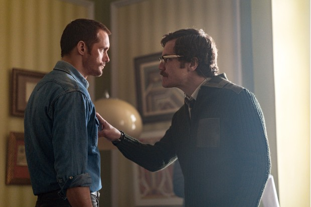 Alexander Skarsgård as Becker, Michael Shannon as Kurtz
