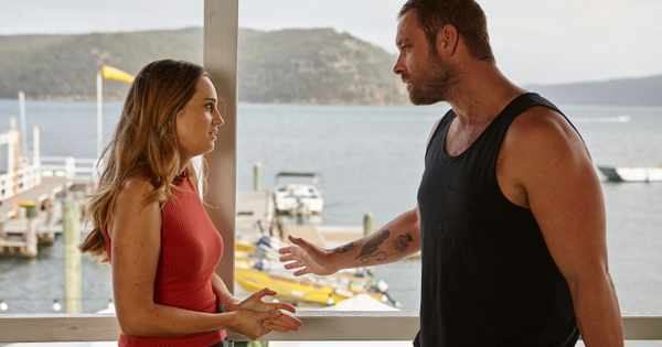 Tori keeps shock baby secret from Robbo and Jasmine in Home and Away