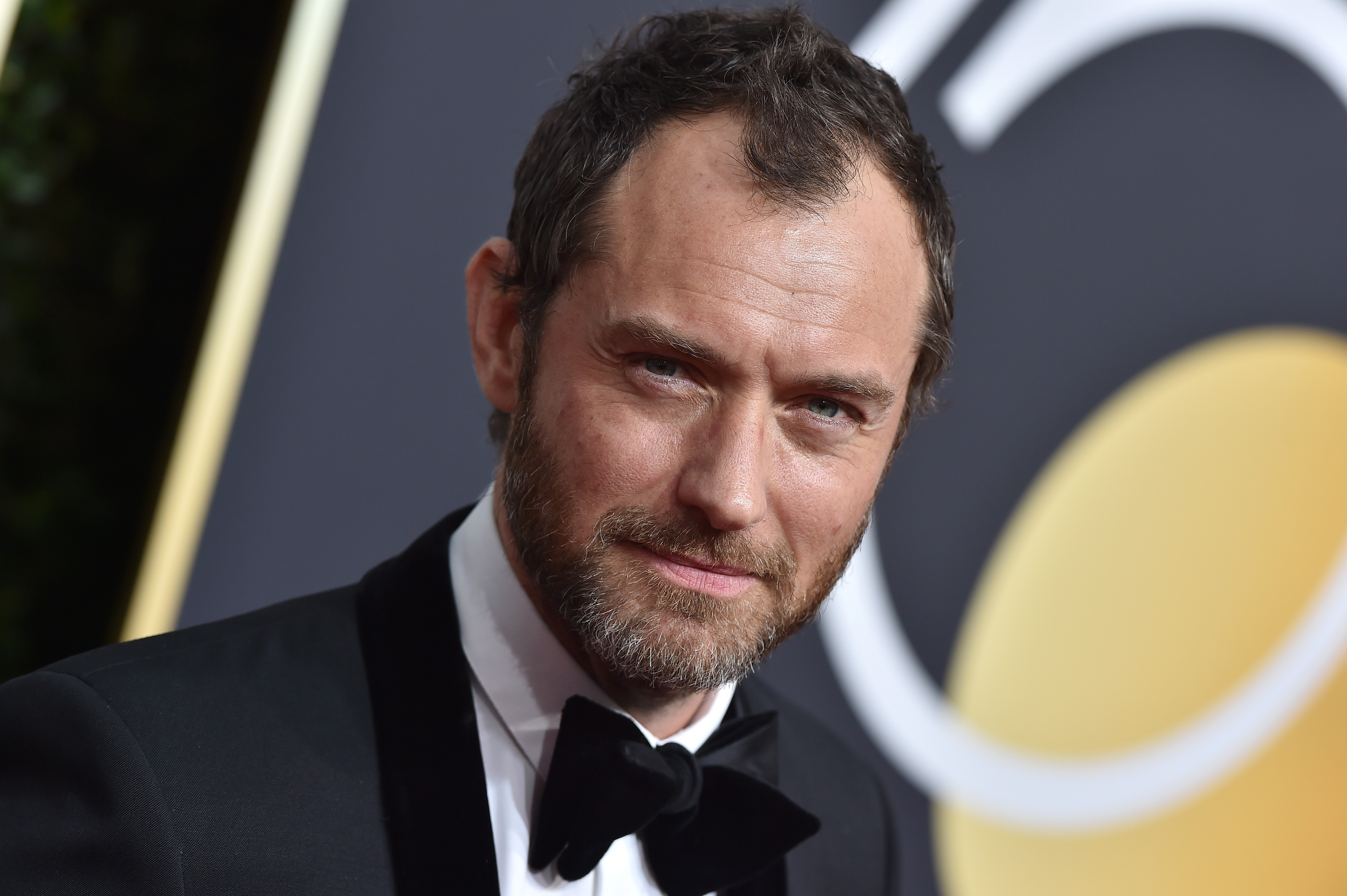 BEVERLY HILLS, CA - JANUARY 07:  Actor Jude Law attends the 75th Annual Golden Globe Awards at The Beverly Hilton Hotel on January 7, 2018 in Beverly Hills, California.  (Photo by Axelle/Bauer-Griffin/FilmMagic)