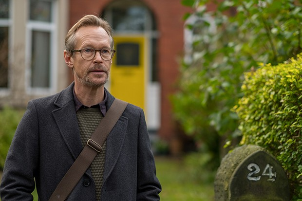 Steven Mackintosh plays Alan Richards in Wanderlust