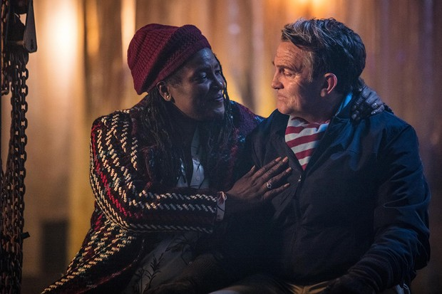 16498064-low_res-doctor-who-series-11