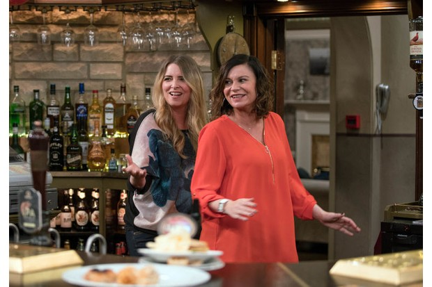 gallery-1483438684-soaps-emmerdale-charity-chas-dingle-2