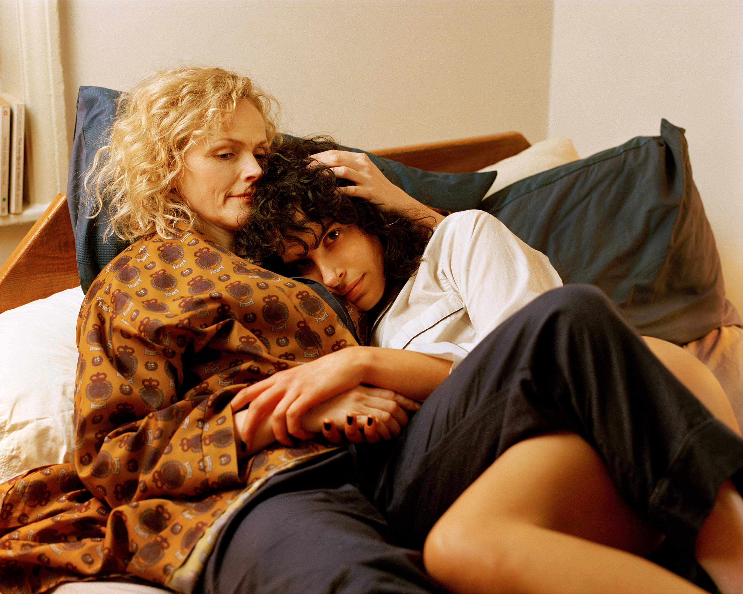 Maxine Peake and Desiree Akhavan, The Bisexual (C4, EH)
