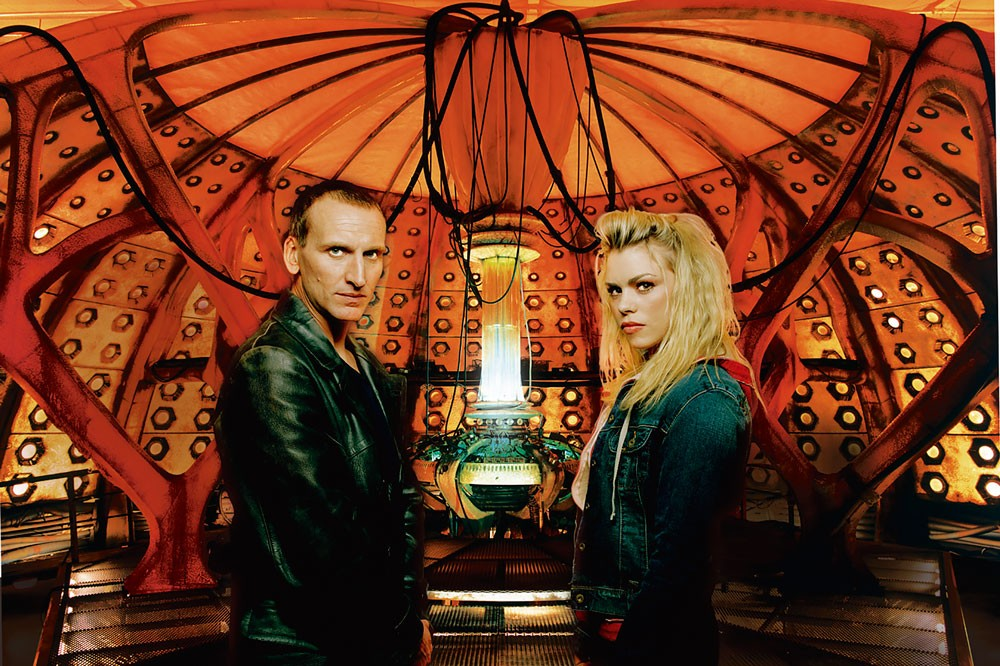 The Tardis, Christopher Eccleston (BBC)