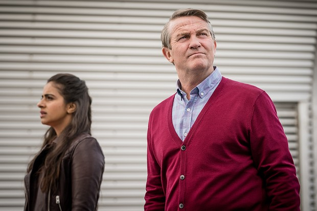 Bradley Walsh and Mandip Gill in Doctor Who (BBC)