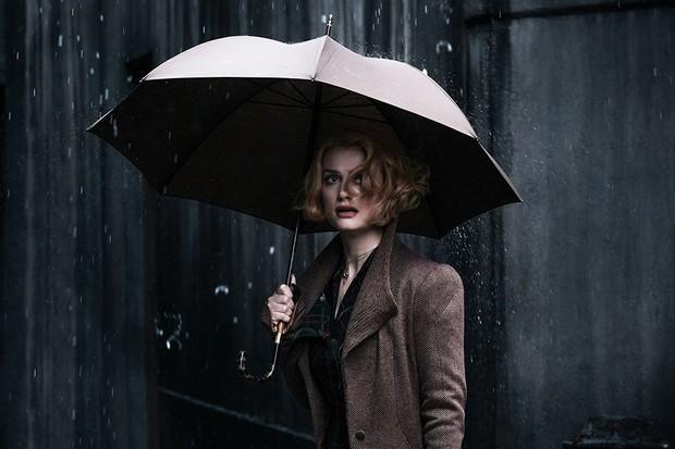 Alison Sudol as Queenie Goldstein in Fantastic Beasts: The Crimes of Grindelwald (Warner Bros)