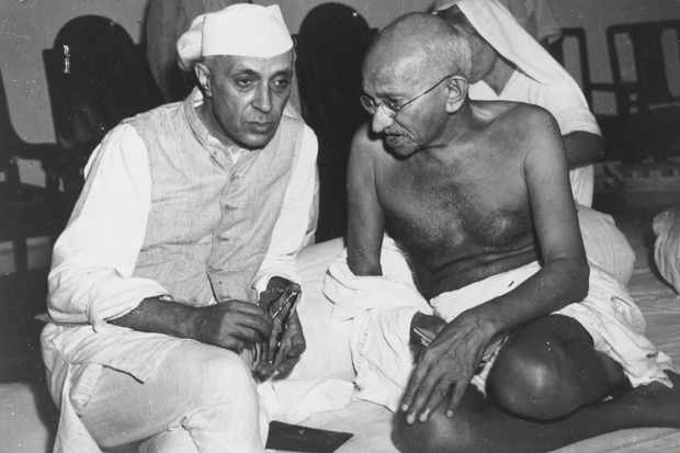 Indian Leaders Gandi and Nehru (Getty)