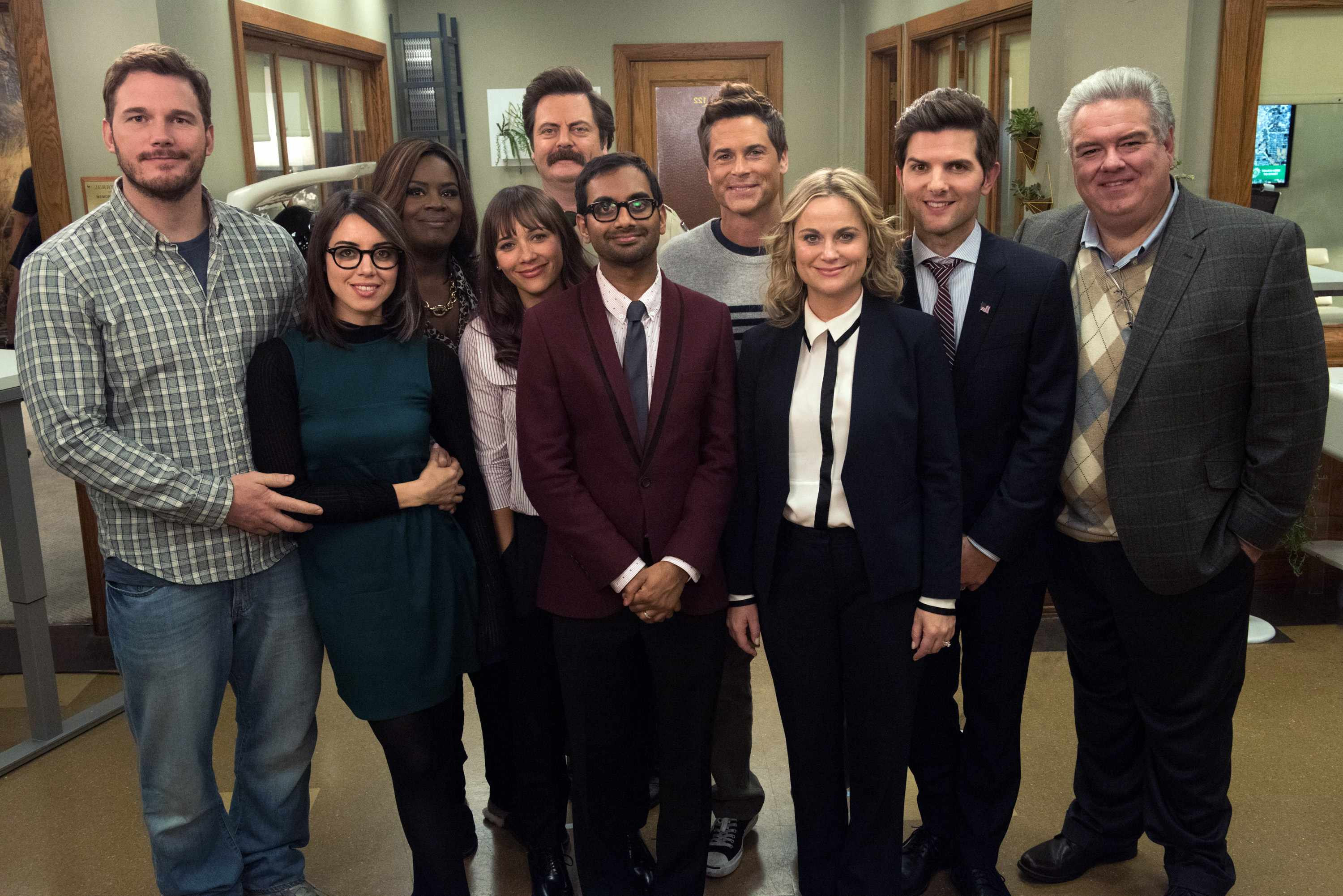 "PARKS AND RECREATION -- ""One Last Ride"" Episode 712/713 -- Pictured: (l-r) Chris Pratt as Andy Dwyer, Aubrey Plaza as April Ludgate, Retta as Donna Meagle, Rashida Jones as Ann Perkins, Nick Offerman as Ron Swanson, Aziz Ansari as Tom Haverford, Rob Lowe as Chris Traeger, Amy Poehler as Leslie Knope, Adam Scott as Ben Wyatt, Jim O'Heir as Garry Gergich -- (Photo by: Colleen Hayes/NBC/NBCU Photo Bank via Getty Images) TL"