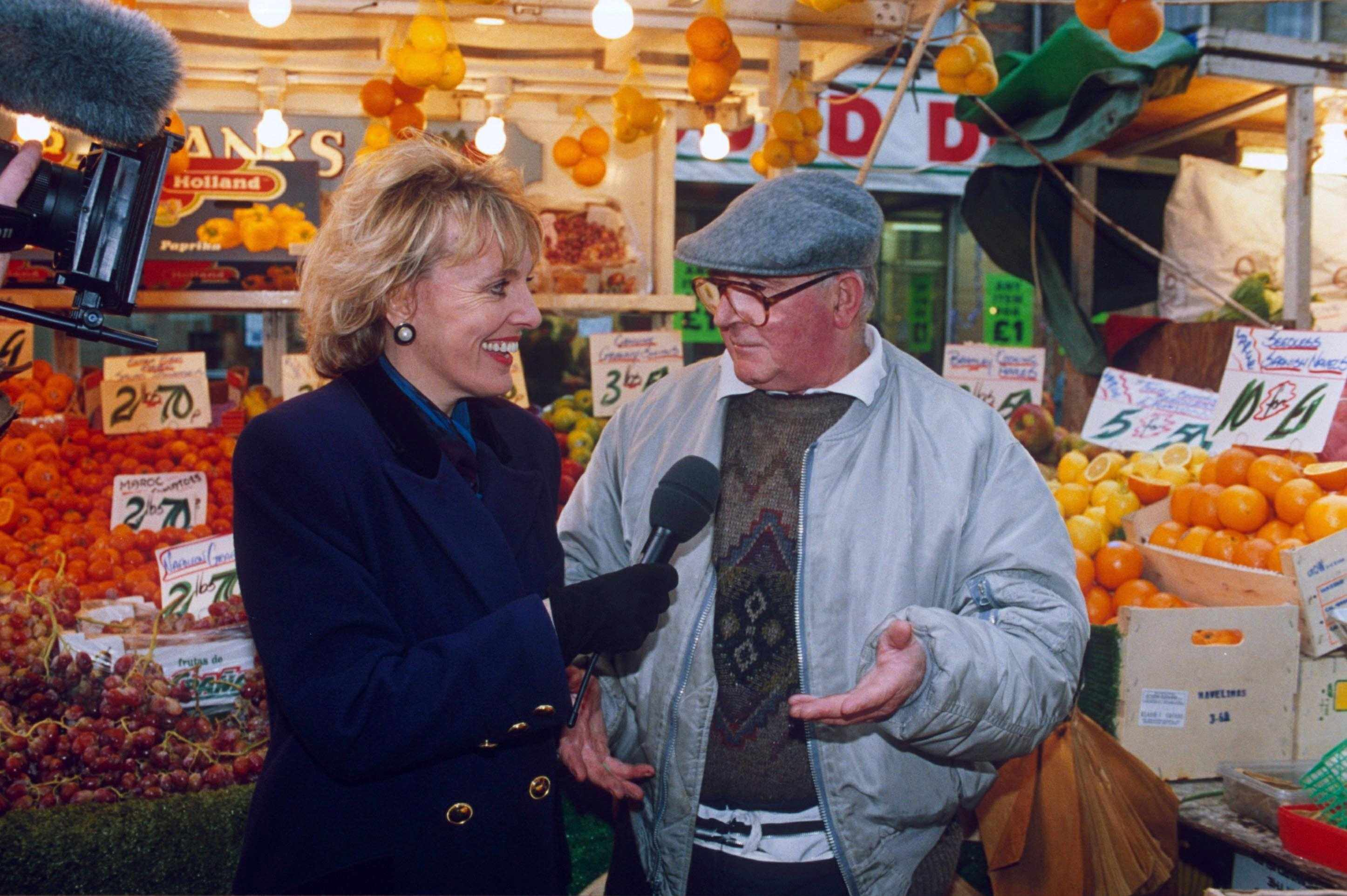 Tv Personality Esther Rantzen Interviewing With 25000Th Interviewee On Tv Series '' That'S Life '', Esther Rantzen In Greengrocers (Photo by Brian Rasic/Getty Images)