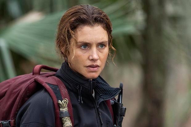 Hannah Ware plays Sadie Hewitt in The First