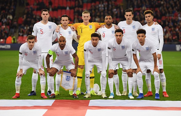 LONDON, ENGLAND - NOVEMBER 15: The England team pose for a photp prior to the International Friendly match between England and United States at Wembley Stadium on November 15, 2018 in London, United Kingdom.  (Photo by Shaun Botterill/Getty Images)
