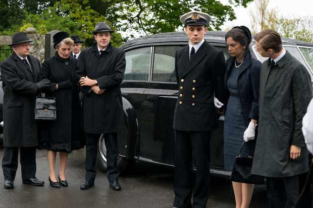 mrs Wilson funeral scene