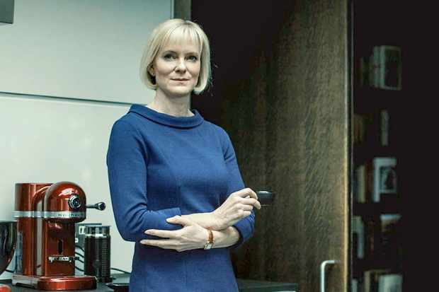 Hermione Norris, Luther (BBC)