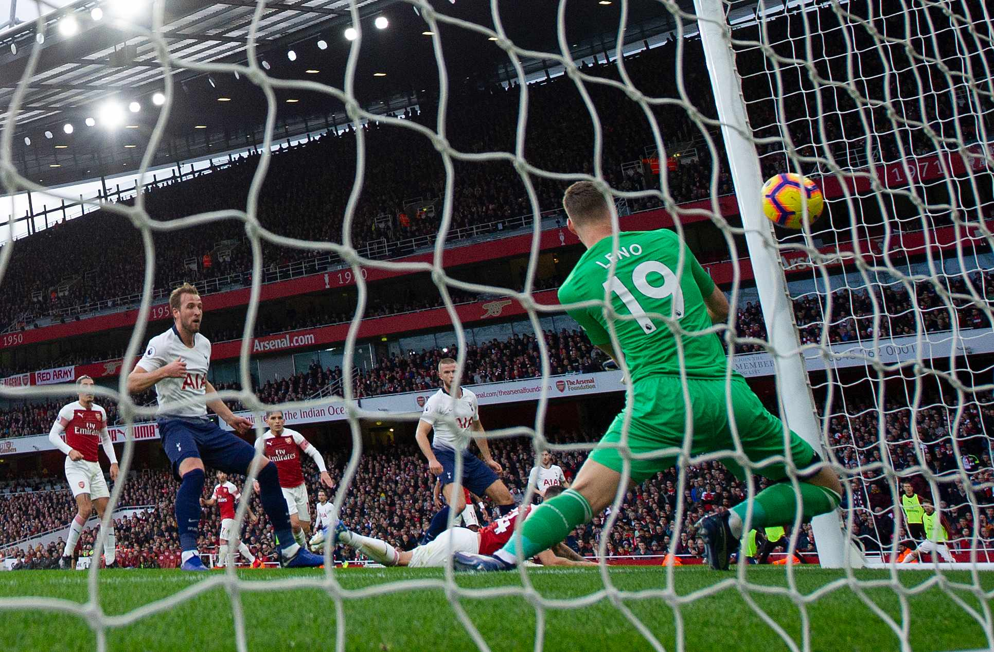 LONDON, ENGLAND - DECEMBER 02: Goalkeeper Bernd Leno of Arsenal allows Eric Dier's header to sneak into the near post for Tottenham's equaliser during the Premier League match between Arsenal FC and Tottenham Hotspur FC at the Emirates Stadium on December 2, 2018 in London, United Kingdom. (Photo by Visionhaus/Getty Images)