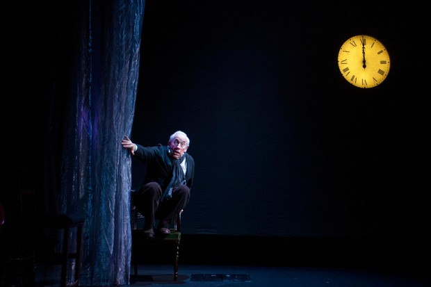 Simon Callow - A Christmas Carol - Arts Theatre - Photo By Laura Marie Linck (97)